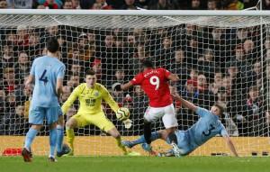 Man United thua sấp mặt, Burnley lập kỳ tích tại Old Trafford