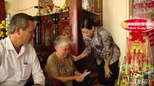 Bà Châu Thị Mỹ Phương thăm, tặng quà tết 2020