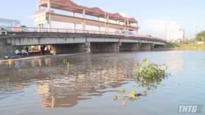 Từ ngày 26-02, tiếp tục xả nước mặn qua cống Bảo Định và cống Xoài Hột để cải thiện chất lượng nguồn nước
