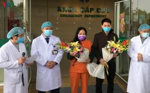 Hai bệnh nhân người Vĩnh Phúc chiến thắng Covid-19 ra viện