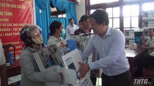 Tặng thiết bị lọc nước huyện Tân Phú Đông