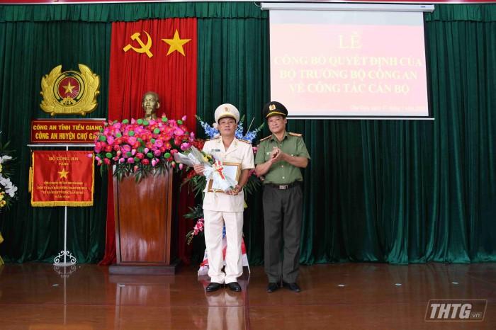 Thuong ta Duc - Cong an Cho Gao
