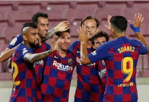 Messi lập siêu kỷ lục bàn thắng, Barcelona trên bờ vực mất ngôi