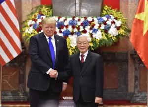 Tổng Bí thư, Chủ tịch nước Nguyễn Phú Trọng và Tổng thống Donald Trump chúc mừng 25 năm quan hệ ngoại giao Việt Nam – Hoa Kỳ