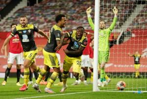 """Mất điểm phút 90+6, Man United vỡ mộng ở """"thánh địa"""" Old Trafford"""