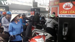 Giá xăng RON95-III giảm nhẹ, các loại xăng, dầu khác giữ ổn định