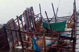Bão số 2 khiến hàng trăm căn nhà tại ĐBSCL hư hỏng