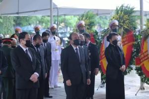 Thủ tướng Nguyễn Xuân Phúc, Chủ tịch QH Nguyễn Thị Kim Ngân viếng nguyên Tổng Bí thư Lê Khả Phiêu