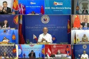 """Philippines """"không chấp nhận"""" để Trung Quốc đẩy Mỹ ra khỏi biển Đông"""