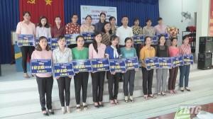 AQUA Việt Nam tặng máy lọc nước cho Hội Liên hiệp Phụ nữ huyện Cái Bè và Cai Lậy