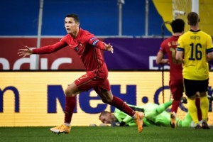 100 bàn thắng, Ronaldo tiến sát kỷ lục của Ali Daei