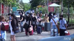 Tiền Giang trao giấy chứng nhận hoàn thành cách ly y tế cho 233 công dân Việt Nam về từ Singapore