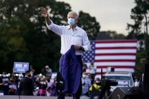 Bầu cử Mỹ: Ứng viên Biden nhận tin vui ở các bang chiến địa