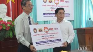 """Công ty Công ty Royal Foods Việt Nam hưởng ứng Chương trình """"Vì người nghèo"""" của tỉnh Tiền Giang"""