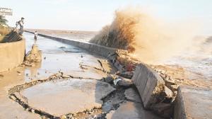 """Đồng bằng sông Cửu Long: Sạt lở gia tăng do dòng nước """"đói"""" phù sa"""
