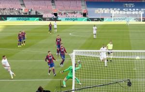 Real Madrid gieo rắc thảm họa siêu kinh điển cho Barcelona