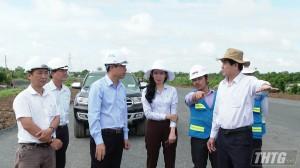 Chủ tịch UBND tỉnh Tiền Giang kiểm tra tiến độ thi công cao tốc Trung Lương – Mỹ Thuận