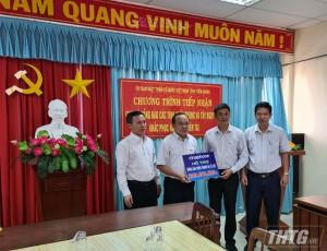 VNPT Vinaphone Tiền Giang hỗ trợ 200 triệu đồng cho đồng bào miền Trung