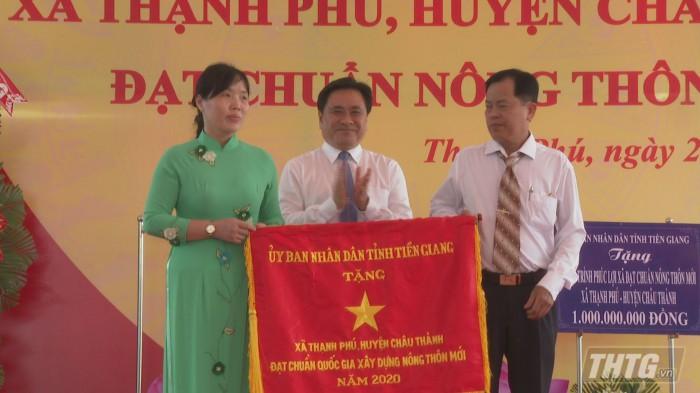 Ra mat xa nong thon moi Phu Phong 6