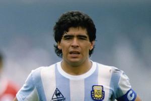 Danh thủ Diego Maradona đột ngột qua đời ở tuổi 60