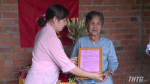 """Bàn giao """"Nhà Đại đoàn kết"""" do Đài PT-TH Tiền Giang vận động"""