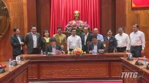 Trao quyết định chủ trương đầu tư Dự án Nhà máy điện gió tại Tiền Giang