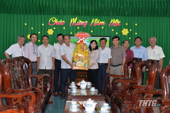 Ba Phuong chuc Tet Dai