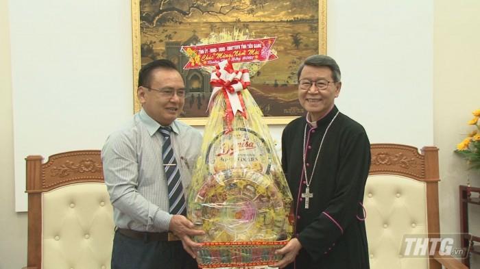 Ong Binh tham co so ton giao 2
