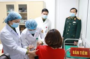 33 người đầu tiên tiêm thử nghiệm giai đoạn 2 Nanocovax