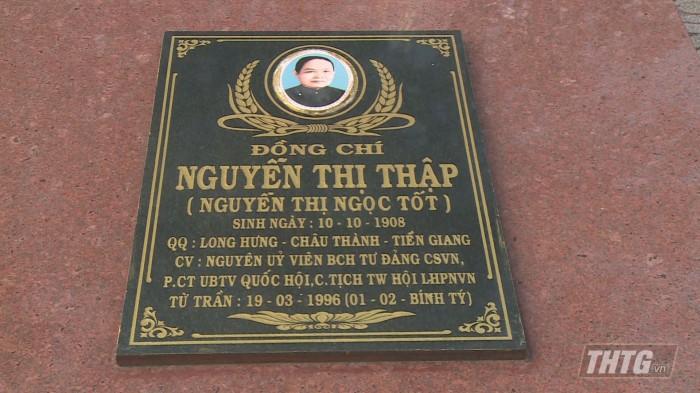 Hop mat Phu nu 9