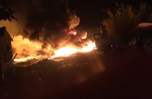 """Cháy bãi phế liệu """"khủng"""" gây náo loạn khu dân cư Bình Đức, huyện Châu Thành"""
