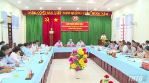 """Trường chính trị Tiền Giang hội thảo """"Cập nhật Nghị quyết Đại hội Đảng các cấp"""" vào bài giảng"""