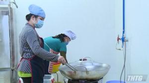 Kiểm tra an toàn vệ sinh thực phẩm bếp ăn trường học