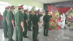 Lãnh đạo Tỉnh uỷ – UBND tỉnh Tiền Giang đến viếng và chia buồn cùng gia đình đồng chí Nguyễn Thanh Hải
