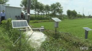 Lãnh đạo UBND tỉnh kiểm tra hệ thống công nghệ cao phục vụ sản xuất lúa