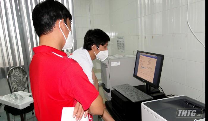 May xet nghiem PCR 1