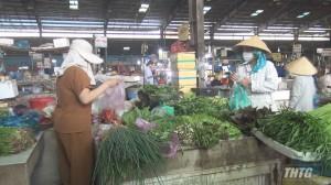 Nhiều mặt hàng thiết yếu ở các chợ tăng giá