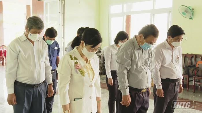 Vieng ong Lam Quang Dinh 4