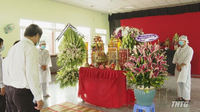 Vieng ong Lam Quang Dinh