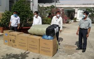 Đài PT-TH Tiền Giang tặng vật tư y tế phòng chống dịch Covid-19