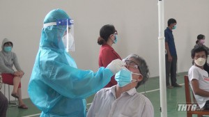 Gò Công Đông tổ chức lấy mẫu xét nghiệm PCR tầm soát Covid-19