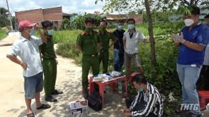 Lực lượng Công an bắt quả tang các đối tượng tàng trữ và mua bán chất ma túy