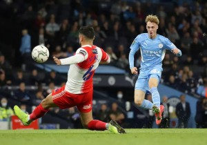 Sao trẻ lập công, Man City và Liverpool dội mưa bàn thắng ở League Cup