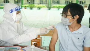 Bộ Y tế đồng ý rút ngắn khoảng cách giữa 2 mũi tiêm vắc-xin AstraZeneca