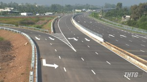Đưa tuyến cao tốc Trung Lương – Mỹ Thuận phục vụ người dân lưu thông trong dịp Tết